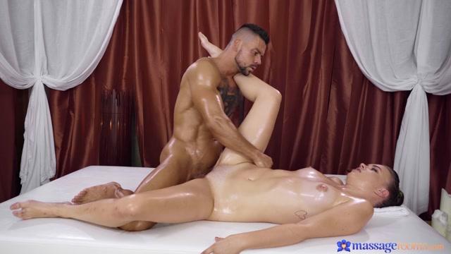 MassageRooms presents Keira Flow - Czech Teen Discovers Erotic Thrills – 08.06.2021 00008