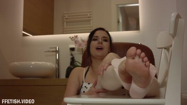 Polish Mistress - JOI - 2 Clips - Weronika - Cum On My Feet In Bathroom - Episode 01-02 00000