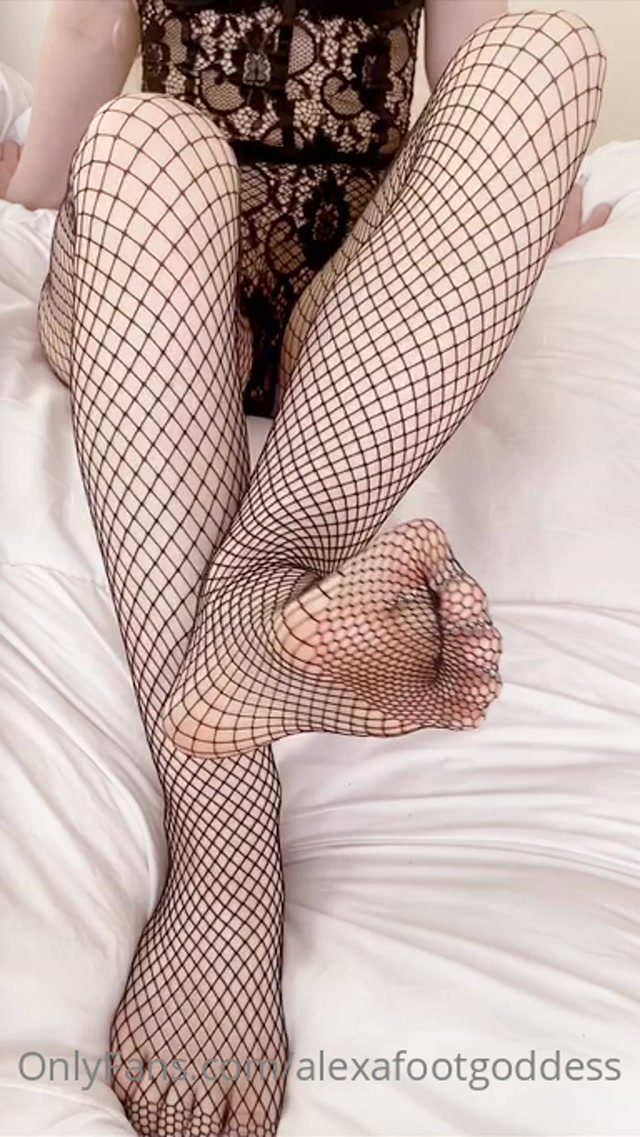 alexafootgoddess 04 11 2020 1197690668 do you like my tasty toes wrapped up all in these fishnets i love the feel of th 00013