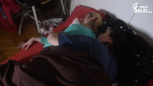Czech Soles - Mother and daughter cuddly bare feet in bed 00013