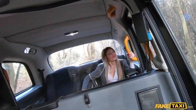 FakeTaxi presents Macarena Lewis - Hot Spanish Babe Finds Way to Pay – 17.07.2021 00002