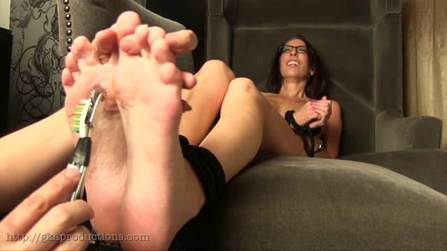 Ginary Tickle Adventures – Dava Foxx's Bare Feet Tickled 00008