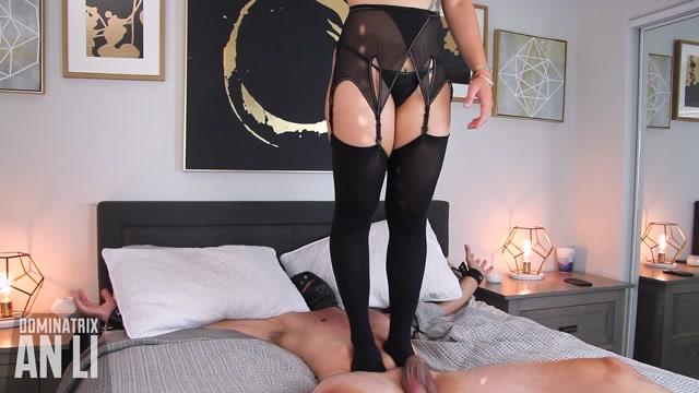 Mistress An Li - Jump and Trample 00014