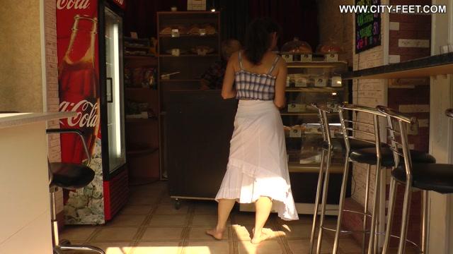 City Feet - Autumn barefoot walk. Part 2 00002