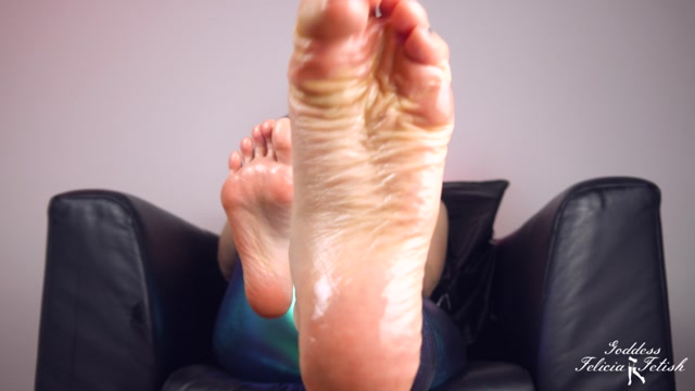 Felicia Fetish - Sexy oiled feet 00005