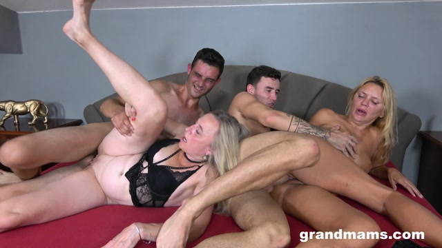 GrandMams presents Elly, Renate - Loving sperm and doing anal – 11.09.2021 00006