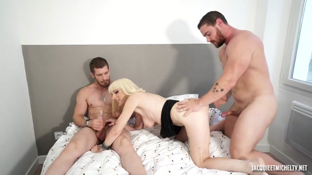 JacquieEtMichelTV presents Amelia Wanted Two Guys, And Did It – 19.09.2021 00004