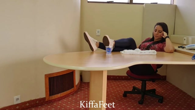 Kiffa Feet Deusa - Sexy Dominant maid punishes Chauvinist sexist Big Boss 00004