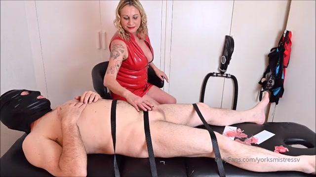 Mistress V - Spitting In My Slave's Mouth – ELITE PRODOMME IN HUDDERSFIELD 00012