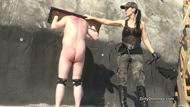 Queens of Kink - Fetish Liza - Outdoor Whipping in Bondage 00004