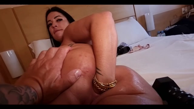 Monicasanthiagoxxx he does fisting in my ass and big load o 00011