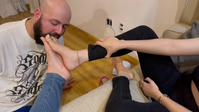 Noccioli Feet - Lana Noccioli And Goddess Grazi - The Feet Sucker Slave 00007