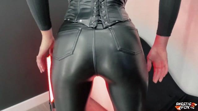 Sweetie Fox - Gothic Girl Deep Sucking & Doggy Fucking 00000